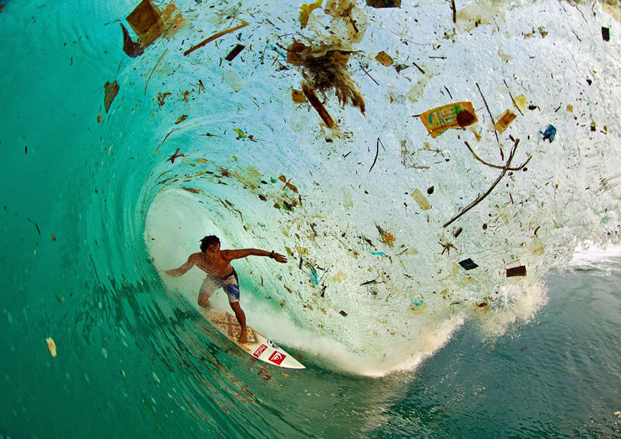 17. Surfing on a wave full of trash in Java