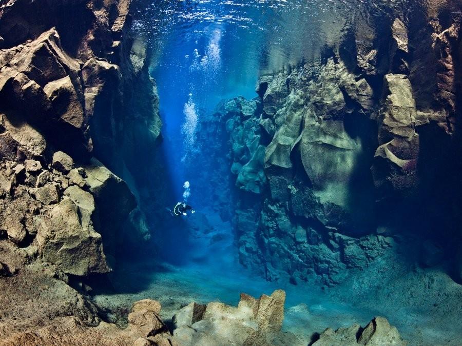 1. Pingvallavatn Lake in Iceland