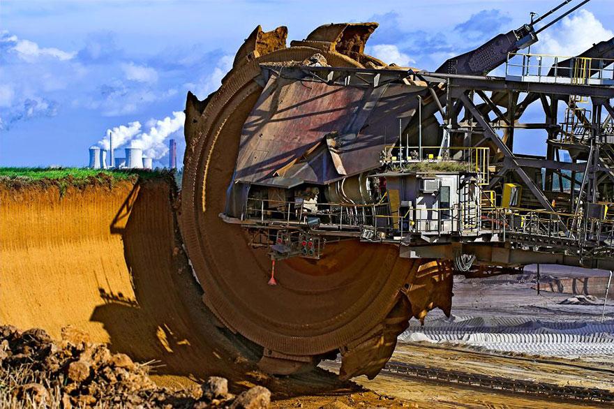 9. World's biggest excavator