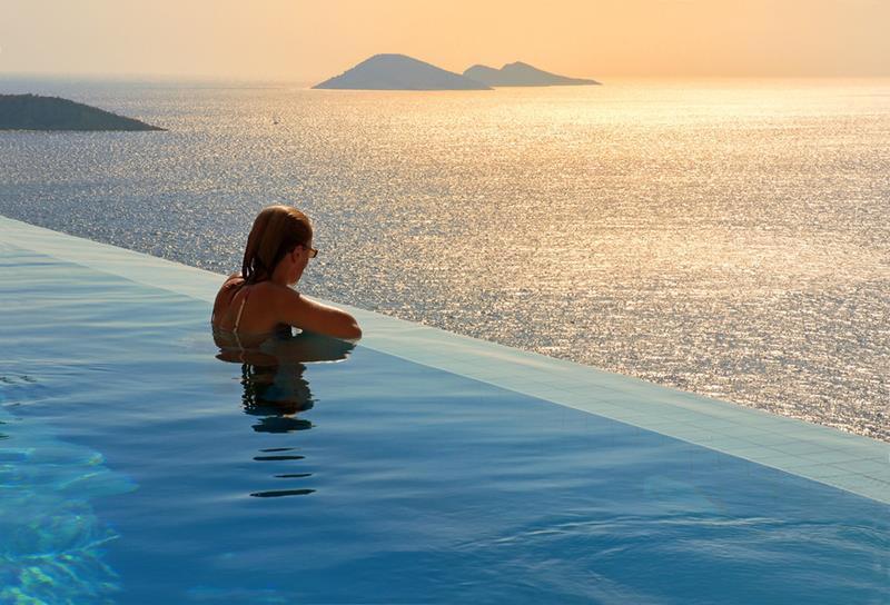 The Hotel Villa Mahal Infinity Pool